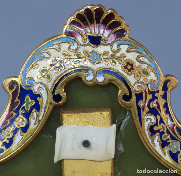 Antigüedades: Benditera de piedra onix con crucifijo en bronce y filos en esmalte cloisonne Francia siglo XIX - Foto 11 - 196189067