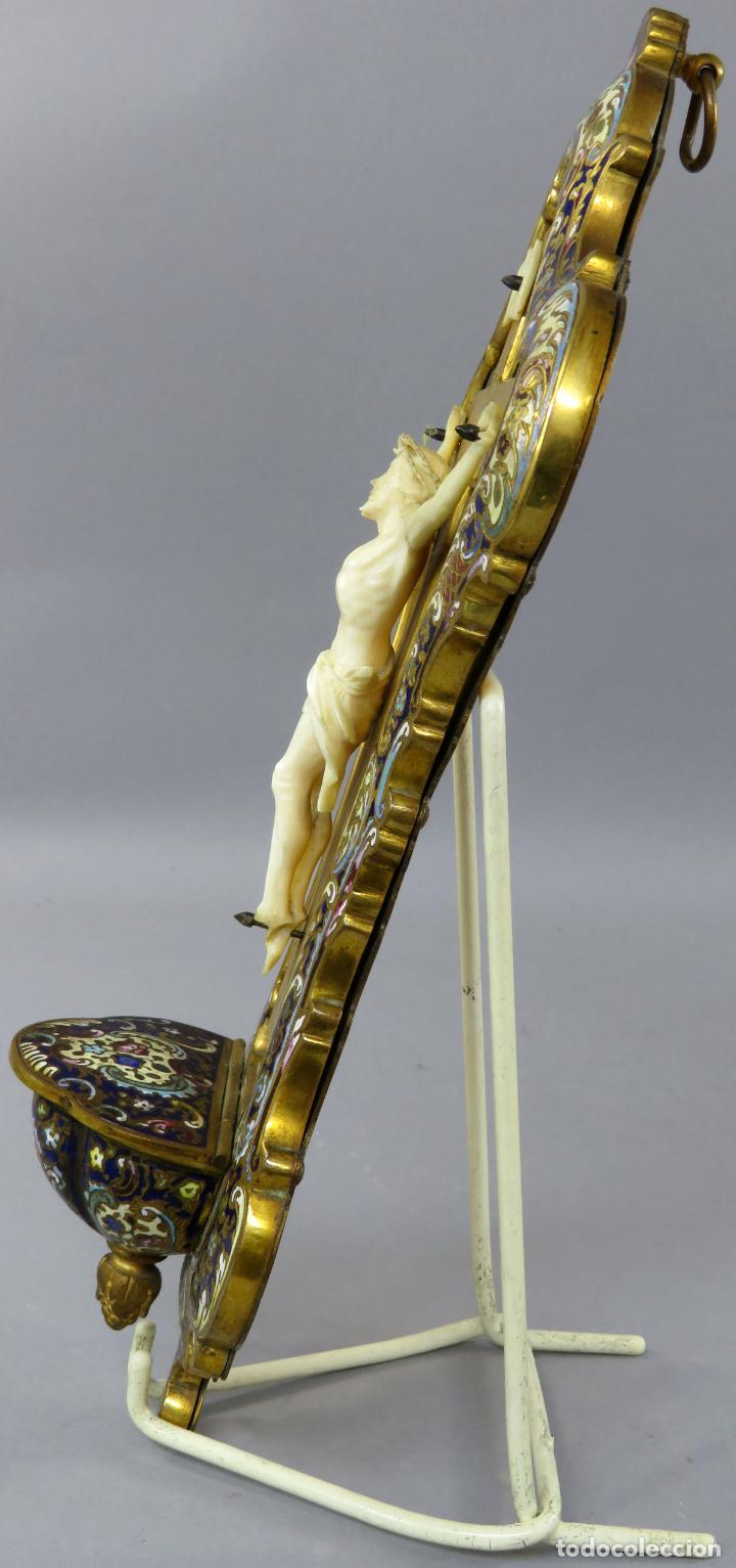 Antigüedades: Benditera de piedra onix con crucifijo en bronce y filos en esmalte cloisonne Francia siglo XIX - Foto 13 - 196189067