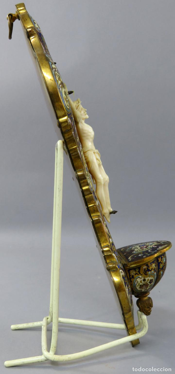Antigüedades: Benditera de piedra onix con crucifijo en bronce y filos en esmalte cloisonne Francia siglo XIX - Foto 15 - 196189067