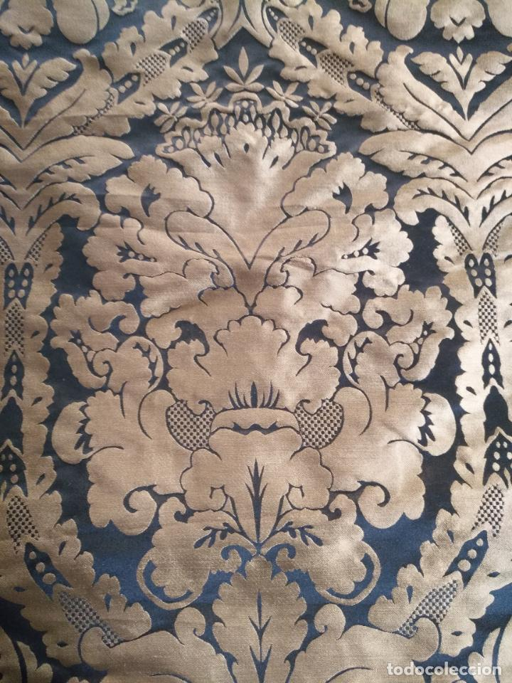 Antigüedades: R1- YA REBAJADO ! brocado NEGRO Y oro viejo balconera colgadura semana santa VIRGEN balcoN 157x95 cm - Foto 4 - 270962863
