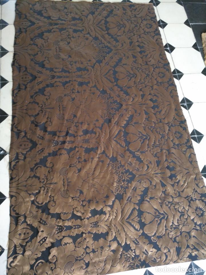Antigüedades: R1- YA REBAJADO ! brocado NEGRO Y oro viejo balconera colgadura semana santa VIRGEN balcoN 157x95 cm - Foto 12 - 270962863