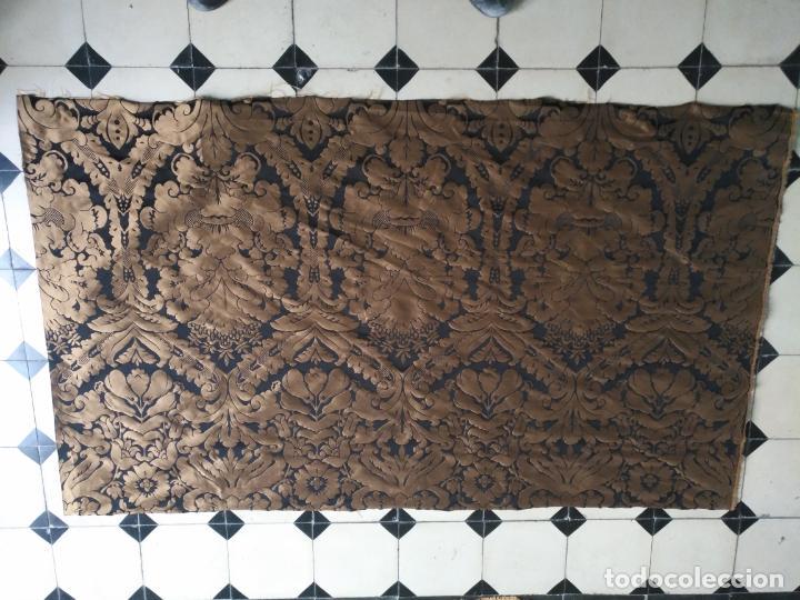 Antigüedades: R1- YA REBAJADO ! brocado NEGRO Y oro viejo balconera colgadura semana santa VIRGEN balcoN 157x95 cm - Foto 16 - 270962863