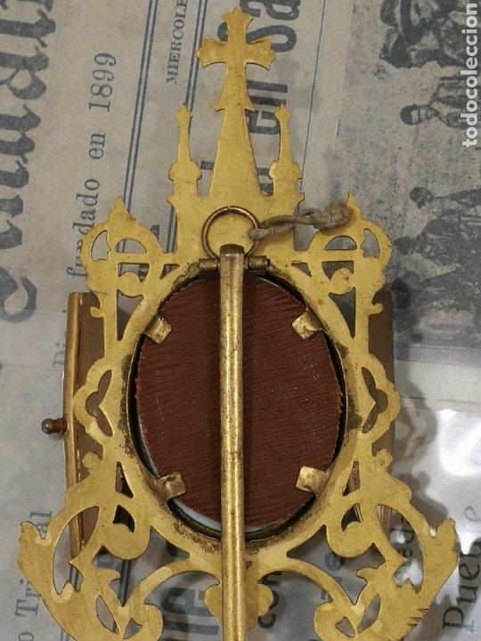 Antigüedades: Esmante pintado a mano. Virgen de Montserrat . Capillita - Foto 3 - 196288571