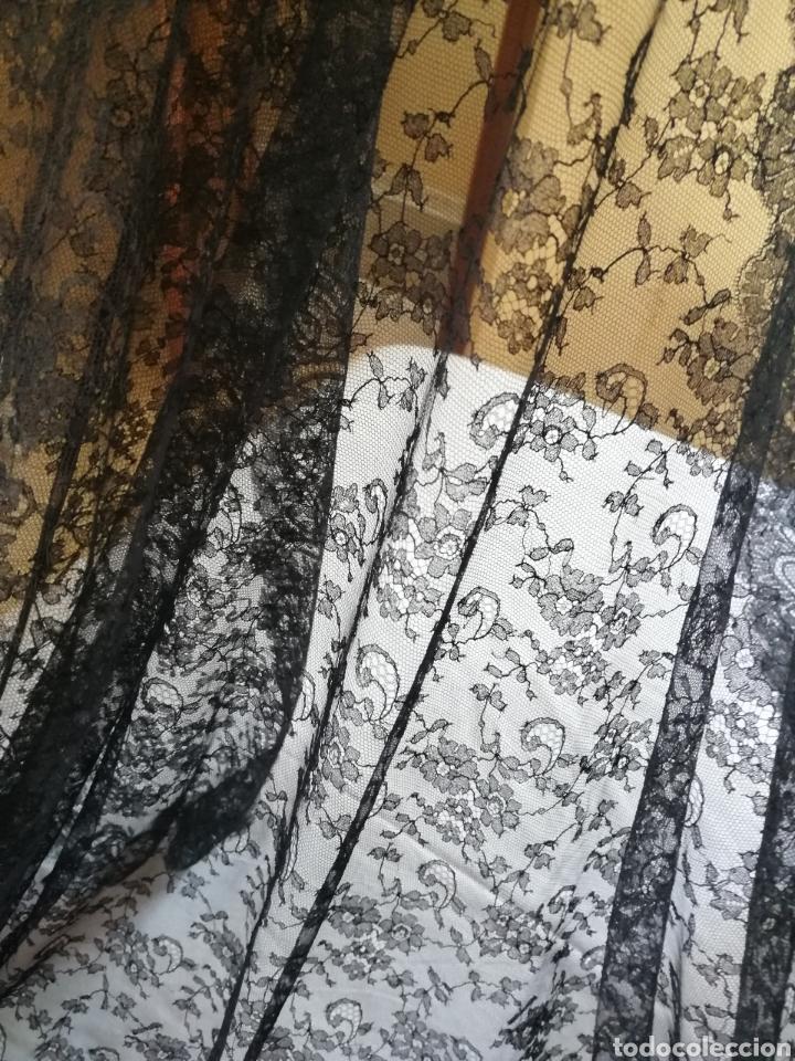 Antigüedades: Magnífica y finisima mantilla de Chantilly francés. - Foto 8 - 196292477