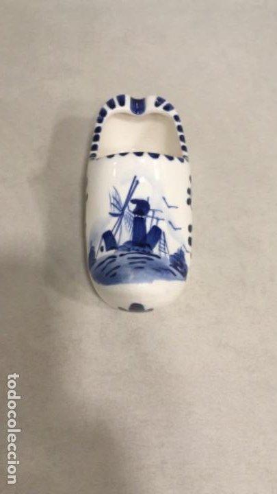 ZUECO DE PORCELANA DE DELFT, SIMPÁTICO SOUVENIR DE HOLANDA (Antigüedades - Porcelana y Cerámica - Holandesa - Delft)