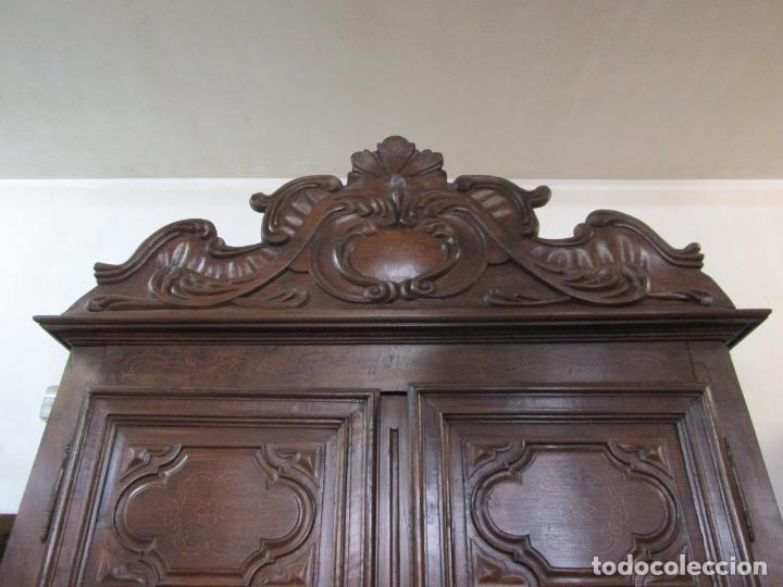 Antigüedades: Precioso Armario Catalán Antiguo - Madera de Nogal y Fina Marquetería - Remate Original - Año 1766 - Foto 13 - 196475810