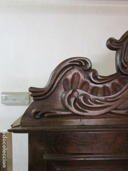Antigüedades: Precioso Armario Catalán Antiguo - Madera de Nogal y Fina Marquetería - Remate Original - Año 1766 - Foto 19 - 196475810