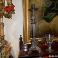 Antigüedades: HACHERO DE IGLESIA O CANDELERO PLATEADO MARCA MENESES MADRID ALTURA 38 CM.. Lote 43938681