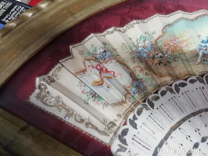 Antigüedades: IMPRESIONANTE ABANICO ENMARCADO DEL SIGLO XIX DE HUESO O MARFIL Y PINTADO A MANO. UNA JOYA!!! - Foto 3 - 196552506