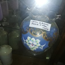 Antigüedades: ANTIGUA BOMBONERA DE BOHEMIA PINTADA A MANO. Lote 196559971