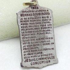 Antigüedades: ANTIGUA MEDALLA FRANCESA, APARICIÓN DE LA VIRGEN A BERNADETTE SOUBIROUS 1858. Lote 196595677
