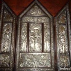 Antigüedades: PRECIOSO ALTAR TRIPTICO, 41X36X6 CMS. VALENCIANO, METAL BLANCO. VER IMAGENES. Lote 196636452