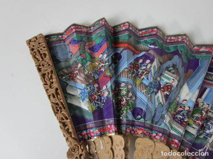 Antigüedades: Antiguo Abanico de las Mil Caras - Canton, China - Caras Marfil, Vestidos de Seda - con Caja - Foto 2 - 196640693