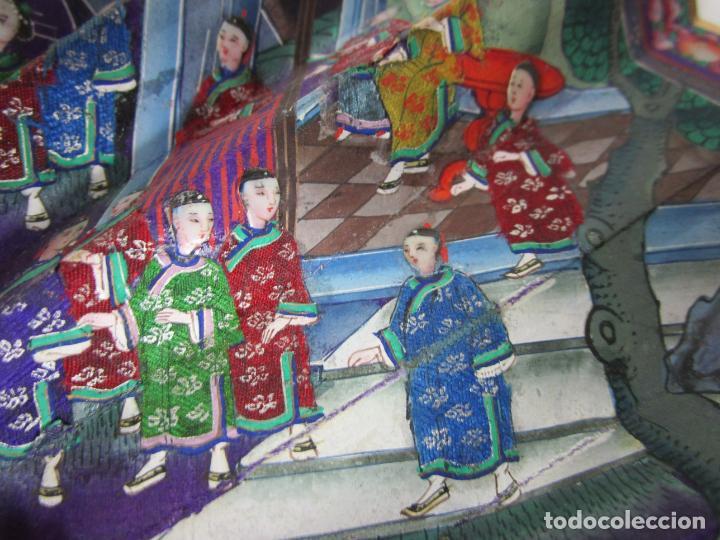 Antigüedades: Antiguo Abanico de las Mil Caras - Canton, China - Caras Marfil, Vestidos de Seda - con Caja - Foto 7 - 196640693