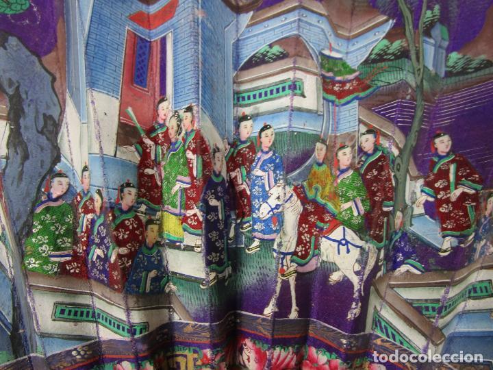 Antigüedades: Antiguo Abanico de las Mil Caras - Canton, China - Caras Marfil, Vestidos de Seda - con Caja - Foto 8 - 196640693