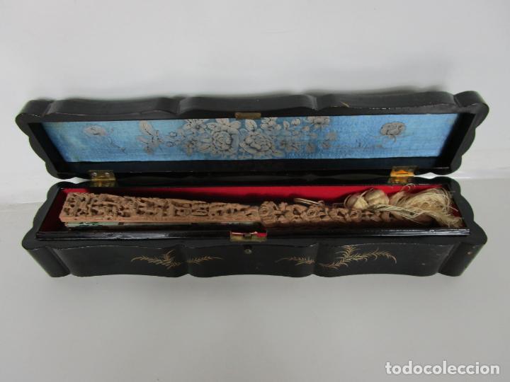 Antigüedades: Antiguo Abanico de las Mil Caras - Canton, China - Caras Marfil, Vestidos de Seda - con Caja - Foto 21 - 196640693