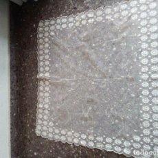 Antigüedades: INDUMENTARIA BOBINE PAÑUELO MANTELETA. Lote 196668476