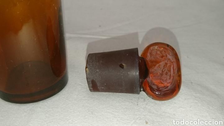 Antigüedades: botella farmacéutica muy antigua...11cm x 35cm. Medidas en el interior ver fotos. - Foto 6 - 196672955