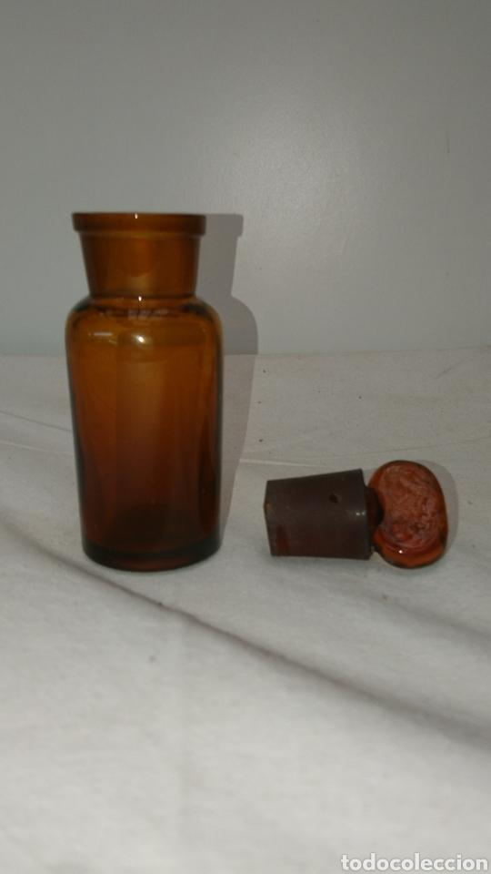 Antigüedades: botella farmacéutica muy antigua...11cm x 35cm. Medidas en el interior ver fotos. - Foto 7 - 196672955