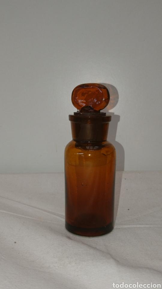 Antigüedades: botella farmacéutica muy antigua...11cm x 35cm. Medidas en el interior ver fotos. - Foto 2 - 196672955