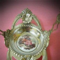 Antigüedades: BANDEJA ANTIGUA PLATEADA CON IMAGEN FRAGONARD. Lote 196740760
