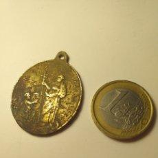 Antigüedades: ANTIGUA MEDALLA RELIGIOSA CORROIDA. Lote 196765975