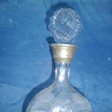 Antigüedades: LICORERA FINALES SIGLO XIX EN CRISTAL TALLADO. Lote 196793756