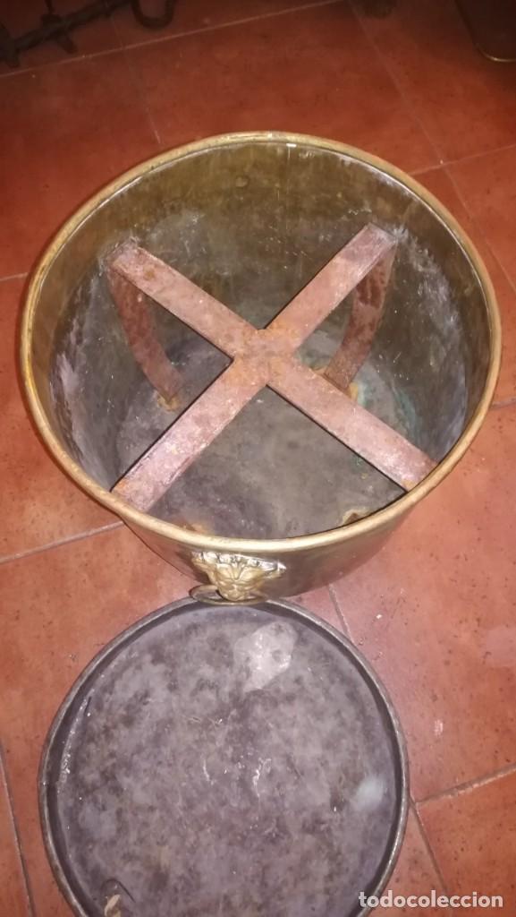 Antigüedades: MACETERO DE LATÓN CONVERTIDO EN CENICERO - Foto 5 - 196959867