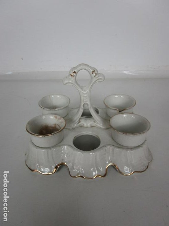 Antigüedades: Centro de Mesa - Huevera Isabelina - Porcelana con Ribetes Doradas - S. XIX - Foto 2 - 196970153