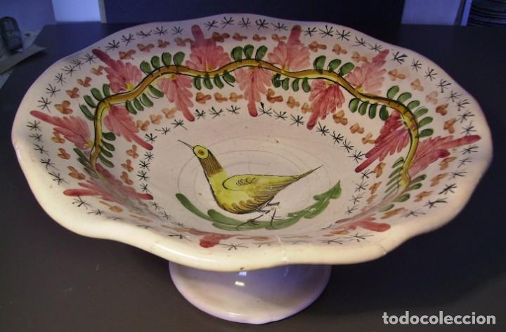 GRAN Y ROTUNDO FRUTERO CERÁMICA DE MANISES XX (Antigüedades - Porcelanas y Cerámicas - Manises)
