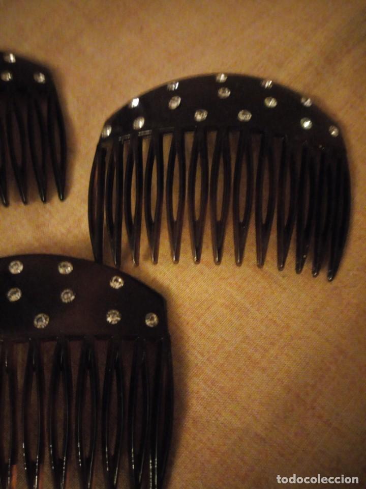 Antigüedades: Lote de 3 antiguas peinetas de baquelita con pedreria - Foto 4 - 197065906