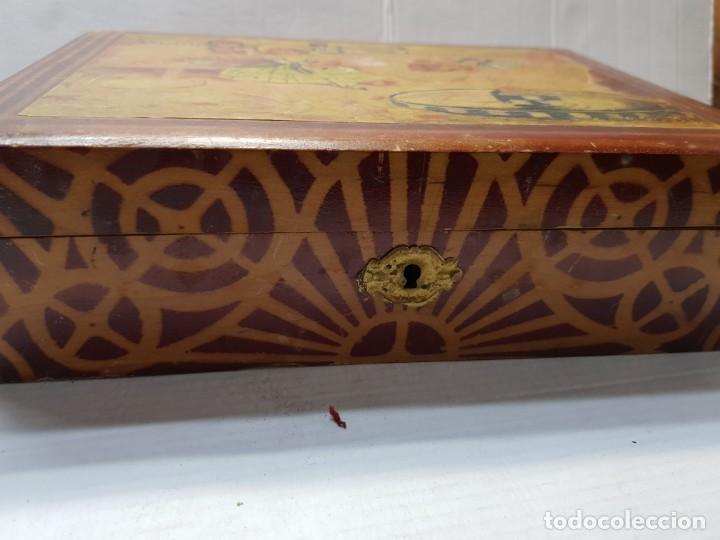 Antigüedades: Caja Neceser de Madera con llave y complementos muy curiosa - Foto 7 - 197104136