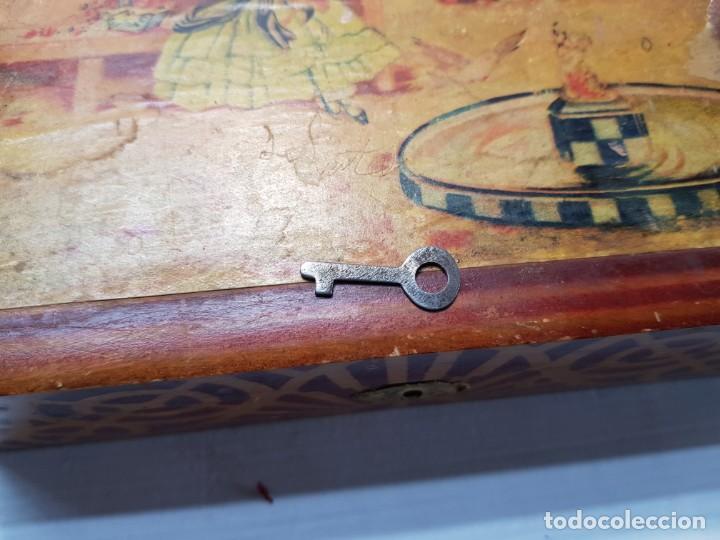 Antigüedades: Caja Neceser de Madera con llave y complementos muy curiosa - Foto 8 - 197104136