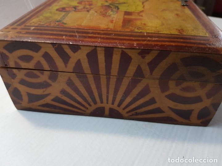 Antigüedades: Caja Neceser de Madera con llave y complementos muy curiosa - Foto 9 - 197104136