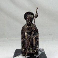 Antigüedades: FIGURA DE SANTIAGO APOSTOL. EN PLATA 1ª LEY. COMPOSTELA. Lote 197124445