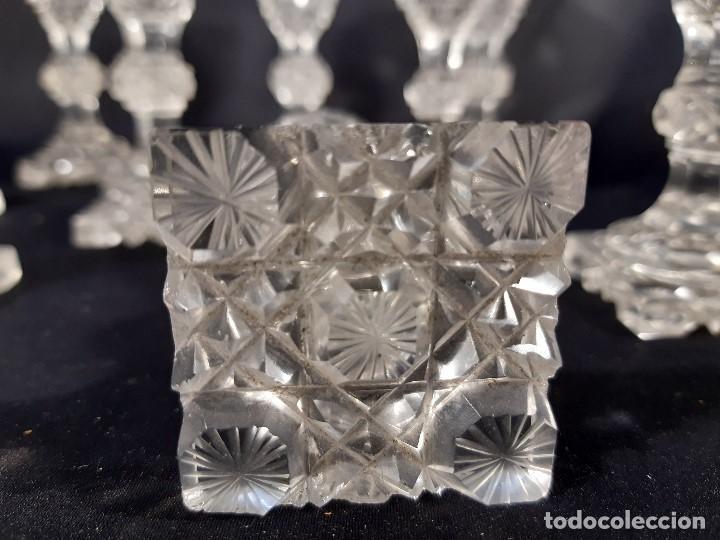 Antigüedades: 9 copas. Cristal tallado. Baccarat. Siglo XIX-XX. - Foto 13 - 197138061
