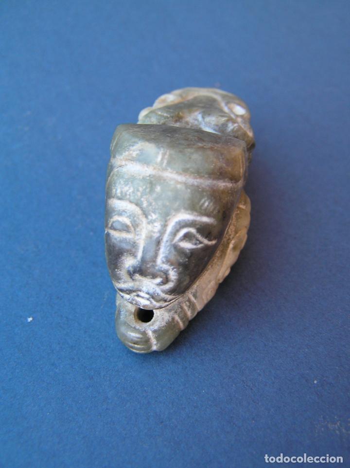 Antigüedades: Amuleto colgante tallado en jadeíta . Sacerdote-dragón. 6,3 cm. - Foto 3 - 197179905