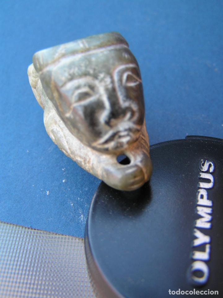 Antigüedades: Amuleto colgante tallado en jadeíta . Sacerdote-dragón. 6,3 cm. - Foto 15 - 197179905