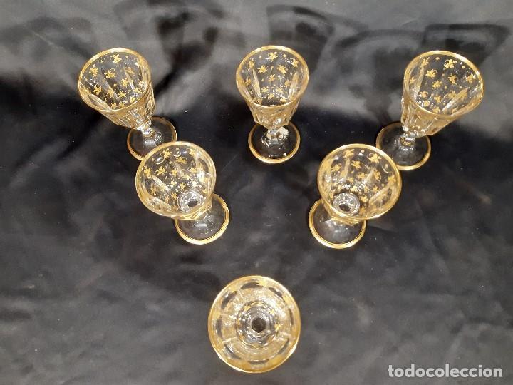 Antigüedades: 6 Copas grandes. Cristal de la Granja o Baccarat. Dorado. Siglo XIX. - Foto 3 - 197209156