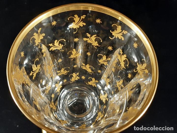 Antigüedades: 6 Copas grandes. Cristal de la Granja o Baccarat. Dorado. Siglo XIX. - Foto 12 - 197209156