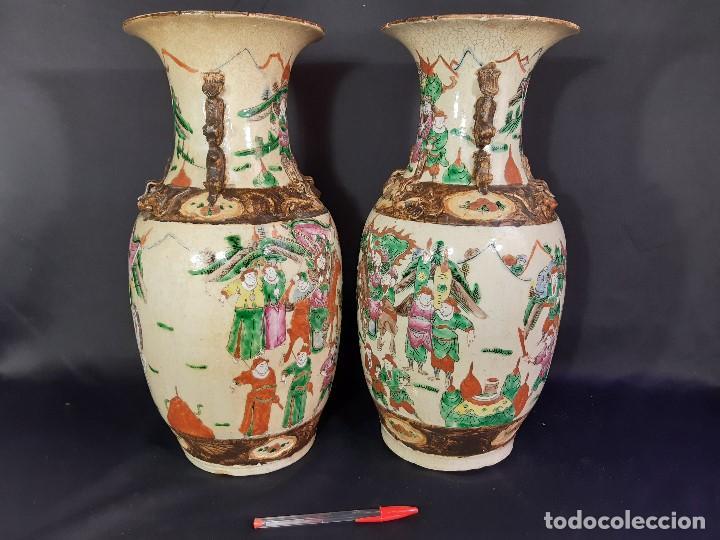 Antigüedades: Pareja jarrones porcelana. Firmados. China. Siglo XIX-XX. - Foto 6 - 197216660