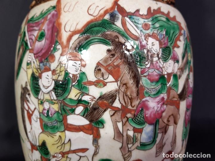 Antigüedades: Pareja jarrones porcelana. Firmados. China. Siglo XIX-XX. - Foto 30 - 197216660