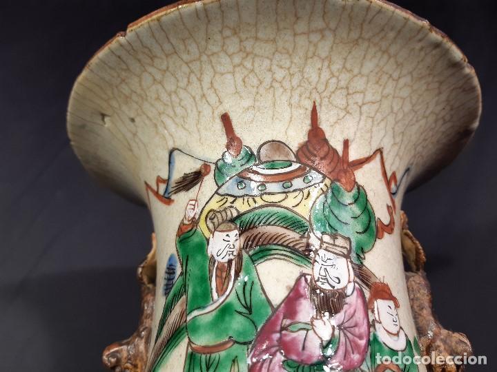 Antigüedades: Pareja jarrones porcelana. Firmados. China. Siglo XIX-XX. - Foto 33 - 197216660