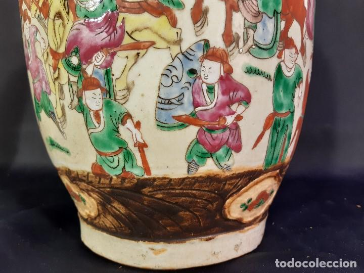 Antigüedades: Pareja jarrones porcelana. Firmados. China. Siglo XIX-XX. - Foto 41 - 197216660