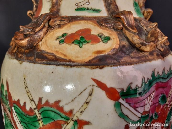 Antigüedades: Pareja jarrones porcelana. Firmados. China. Siglo XIX-XX. - Foto 43 - 197216660