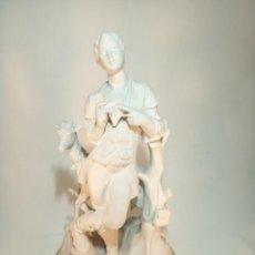 Antigüedades: GRAN FIGURA DE PORCELANA. BIDASOA. JOVEN PASTOR CON CABRA MONTESA. 43 CM. DE ALTO.. Lote 197224906