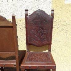 Antigüedades: TRONOS EN PIEL Y MADERA. AÑOS 1940. EN PERFECTO ESTADO. MOTIVOS LABRADOS FLORALES. JUEGO DE 6 TRONOS. Lote 168585892