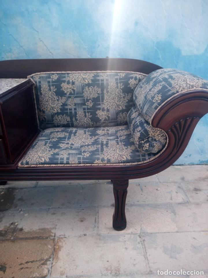 Antigüedades: Antiguo sofá con mesa para teléfono con 2 cajones,estilo isabelino,madera maciza. sirca 1910 - Foto 3 - 197242258