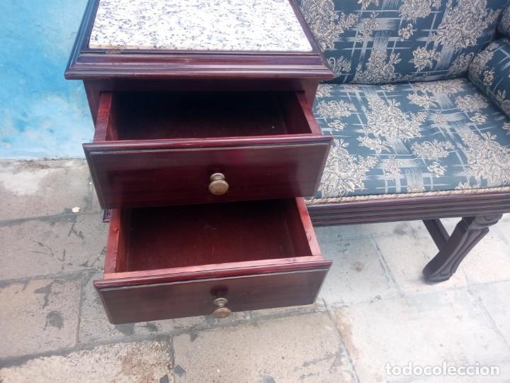 Antigüedades: Antiguo sofá con mesa para teléfono con 2 cajones,estilo isabelino,madera maciza. sirca 1910 - Foto 7 - 197242258