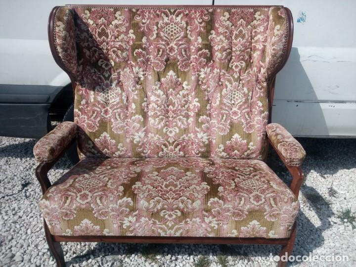 Antigüedades: Antiguo sofá de respaldo alto con 2 banquetas reposa pies a juego,estilo victoriano,siglo xix - Foto 4 - 197242585